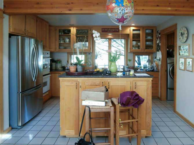Bainbridge Island Remodel Farm House Kitchen Apron Front